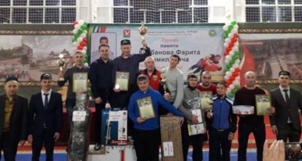 Азнакайда Фәрит Корбанов истәлегенә узган көрәш турнирының җиңүчеләре ачыкланды