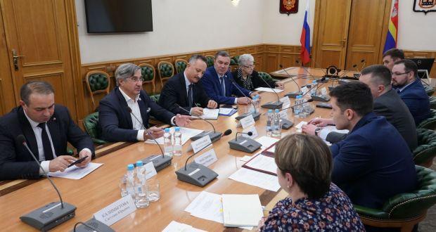 Василь Шайхразиев встретился с губернатором Калининградской области
