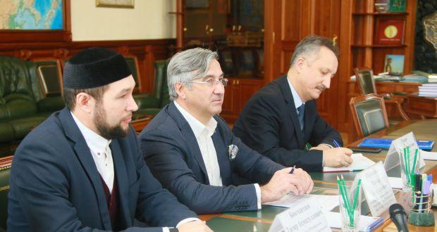 Сергей Цивилёв обсудил с татарами вопросы коневодства и предложил провести в Кузбассе Федеральный Сабантуй