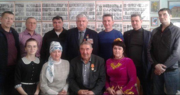 В  музее села Зиреклы Новошешминского района Татарстана краеведы встретились  с ветеранами