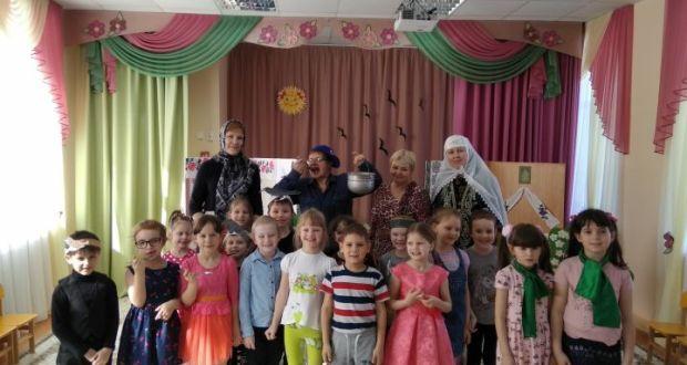 В Тетюшах провели традиционный татарский праздник «Карга боткасы»