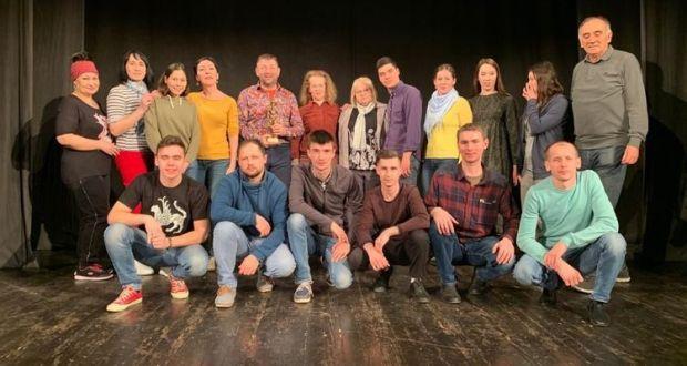Буа театры Сербия театр фестивалендә гран-при алды