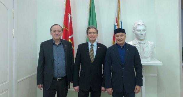 Постоянное представительство РТ в Санкт-Петербурге и Ленинградской области посетил Председатель ТНКА г. Москвы Фарит Фарисов