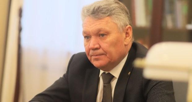 Рафис Бурганов поддержал республиканскую акцию «Читаем детям вместе»