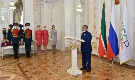 В День России Рустам Минниханов вручил государственные награды Российской Федерации и Республики Татарстан
