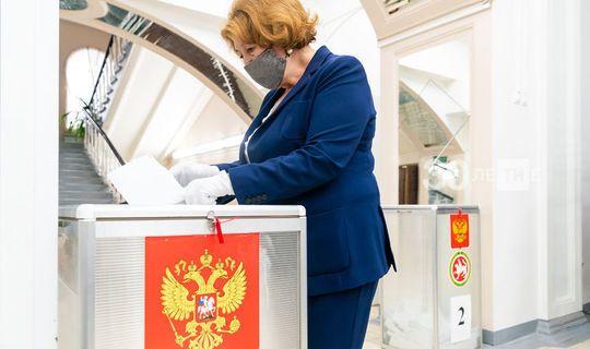 Зиля Валеева: Видим, как дружно в Татарстане идет голосование по поправкам