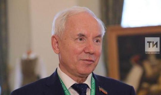Ринат Закиров: «Президент әйткән сүз хакимият өчен дә күрсәтмә дип аңларга кирәк»