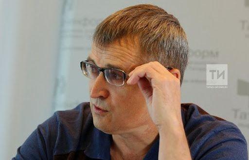 Марат Кәбиров: «Бүгенге язучы ул урманда адаштырылган песи баласы шикелле»