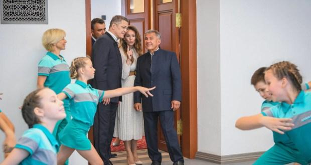 Радий Хабиров и Рустам Минниханов посетили открытие арт-резиденции «Созвездие–Йолдызлык»