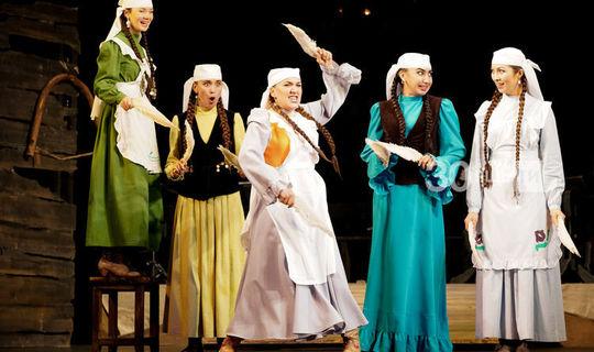 Кәрим Тинчуринны искә алу көне «Сүнгән йолдызлар» спектакле белән тәмамланды