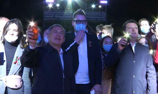 Рустам Минниханов спел с «Хором Турецкого» песню «Туган тел»