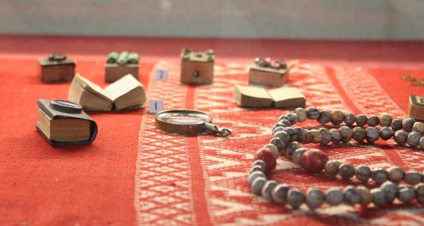 В Тюмени показывают коллекцию Коранов Казанского Кремля
