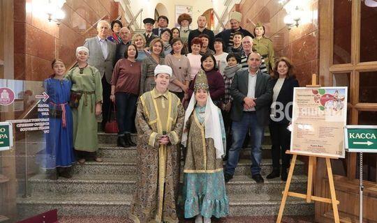 Төбәкләрдән килгән татар журналистлары Милли музейда «Сөембикә бакчасы»нда булды