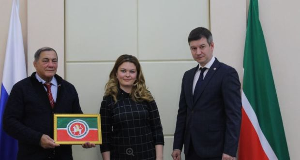В Узбекистане состоялась церемония награждения участников конкурса, посвященного Дню флага Республики Татарстан