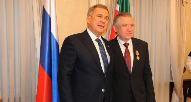 Рустам Минниханов в Москве вручил медали в честь 100-летия ТАССР