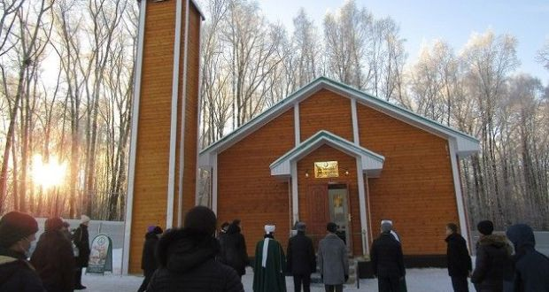 В городе Березняки Пермского края состоялось открытие деревянного здания Соборной мечети