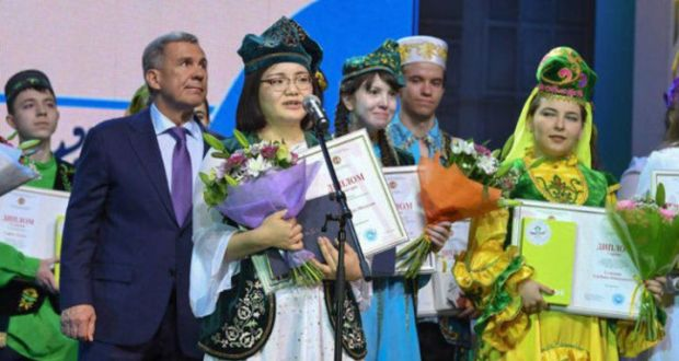Накамура Мидзуки татар теле буенча диссертация язган