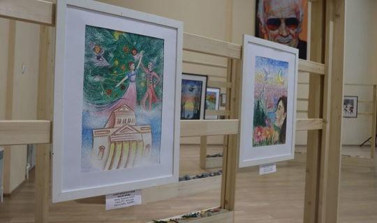 В Бугульме открыли выставку картин, посвященную Году родного языка в РТ