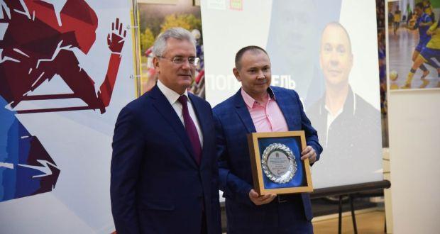 Ринат Абузяров   стал лучшим в номинации «Попечитель 2020 года»