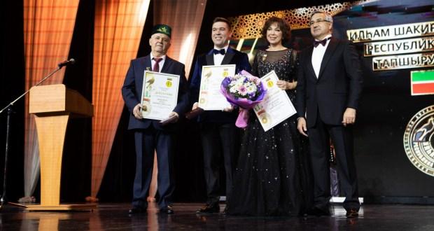 Фоторепортаж: Лауреаты республиканской премии имени Ильгама Шакирова