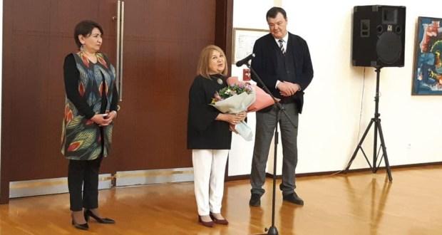 Персональная выставка художницы по фарфору Риммы Газалиевой открылась в Ташкенте