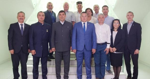 ФОТОРЕПОРТАЖ: Встреча с делегацией из Республики Саха (Якутия) во Всемирном конгрессе татар