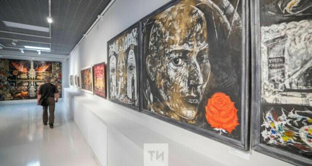 От Ленина и Тукая до авангардной «точки»: в Казани открылась выставка Шамиля Шайдуллина