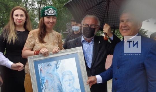 Танылган төрек рәссамы Татарстан Президентына Тукай портреты бүләк итте