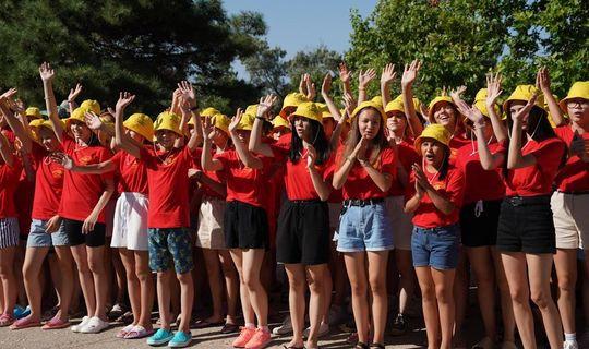 «Созвездие-Йолдызлык» балалары Кырымда зур концерт куйды