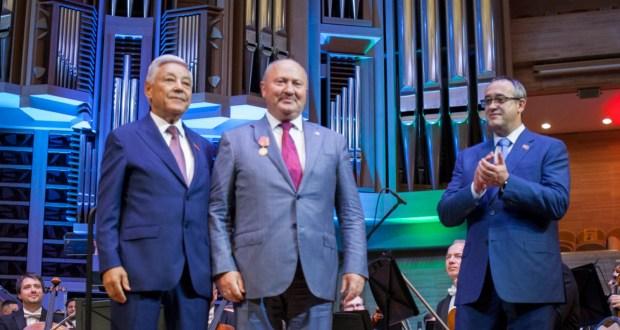 Равилю Ахметшину вручена медаль «100 лет образования ТАССР»
