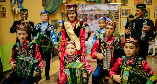 """Republican competition """"Nechkebil"""" invites you to join the Festival of families of Tatarstan """"Family in all languages"""""""