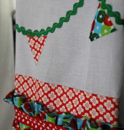 Simple Sewing Project — Tiny Bunting Dishtowels!!