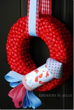 """Red Hots and Blue"" Fourth of July Rocket Wreath {tutorial}"