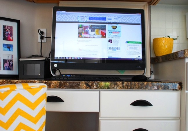 Using Decorating and Technology to Bring People Together