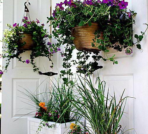 #LowesCreator — Make a DIY Outdoor Privacy Screen and Subway Tile Planter Boxes!!