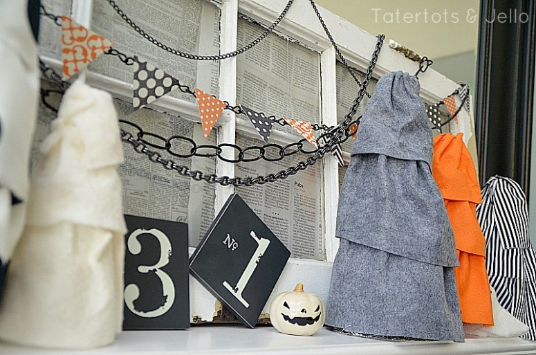 halloween chain pennants