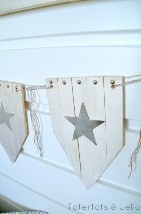 small fourth of july wood shim bunting