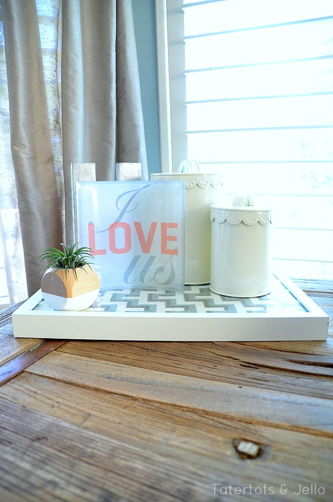 i love us curved glss tray organizer