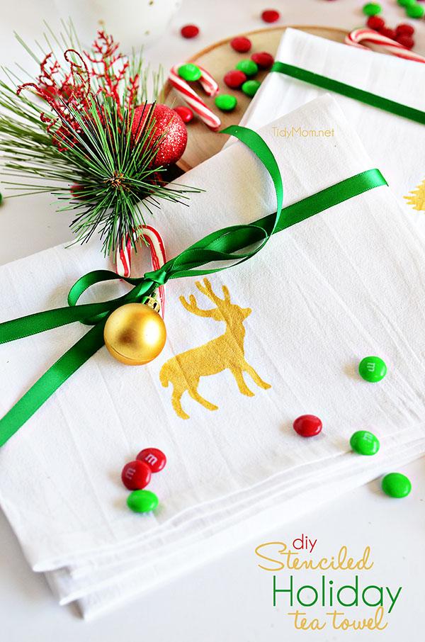 Happy Holidays: DIY Stenciled Holiday Tea Towel