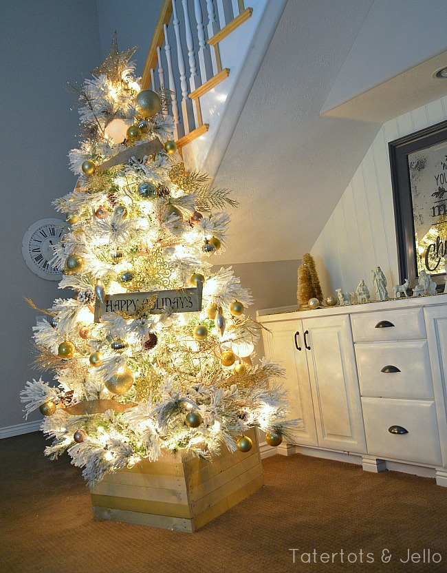 flocked-gold-and-white-tree-[1]