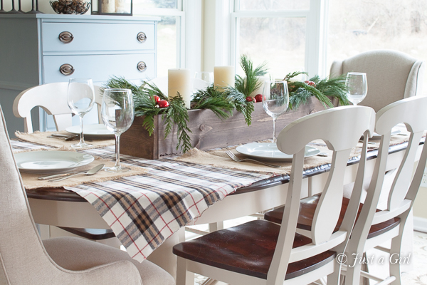 Christmas-decorating-with-plaid