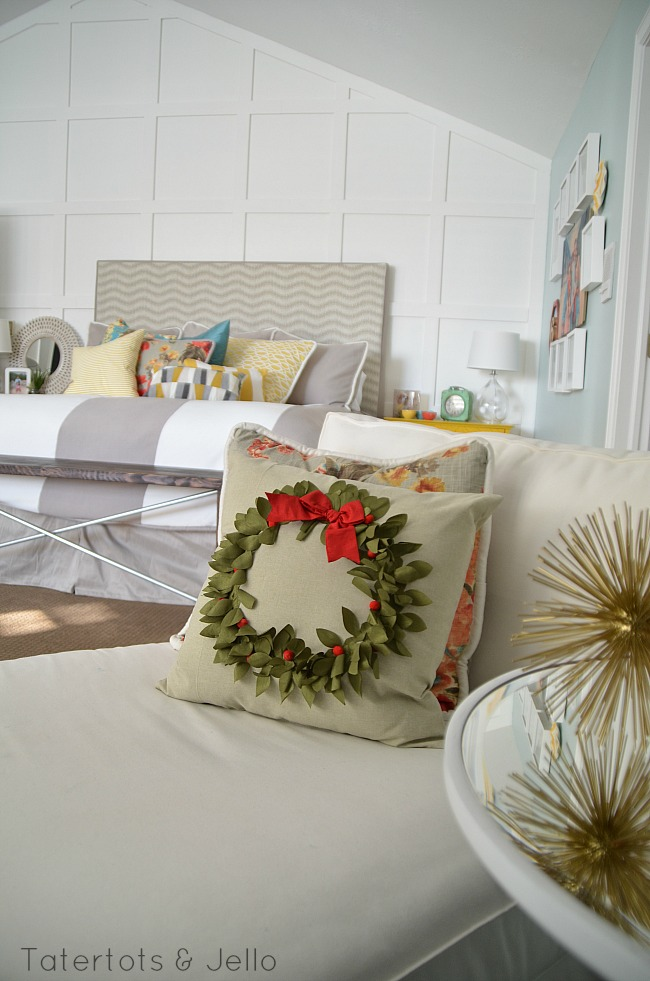 bedroom holiday decorating