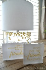 Neighbor Gift / Friend Gift Idea: Friend Quotes & Free Printables! #ShutterflyDecor