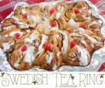 Happy Holidays: Swedish Tea Ring
