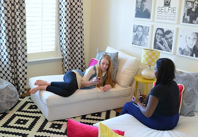 Teen/Tween Hangout Room Reveal! [#inawaverlyworld]