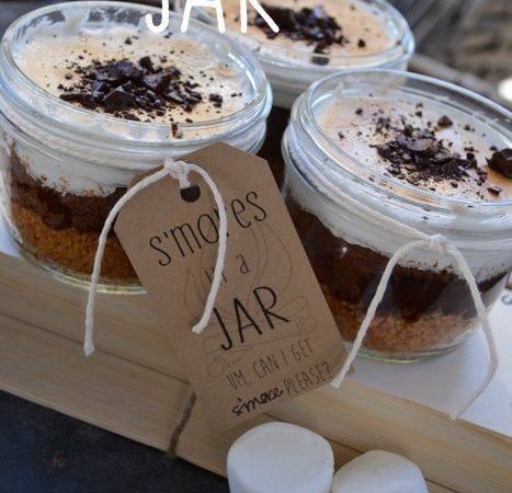 S'mores In a Jar with a Free Printable!!