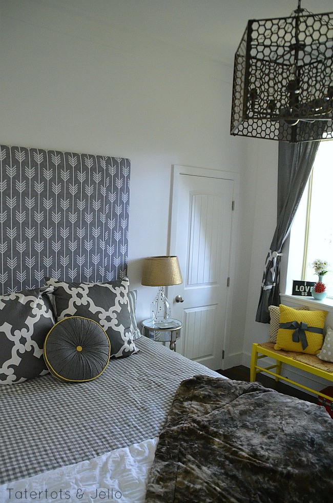 1905cottage-bedroom
