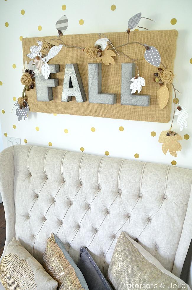 fall burlap wall hanging at tatertots and jello