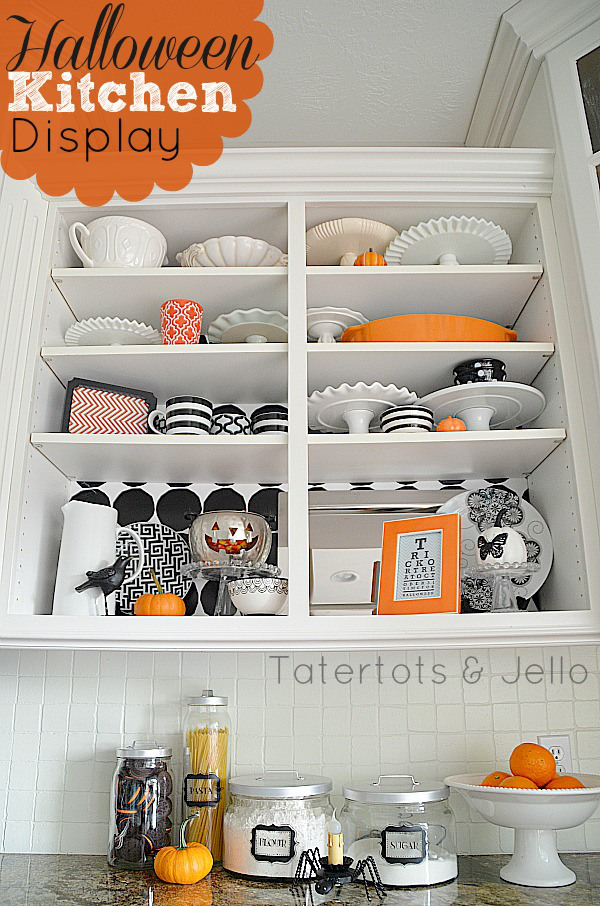 halloween-kitchen-display-idea