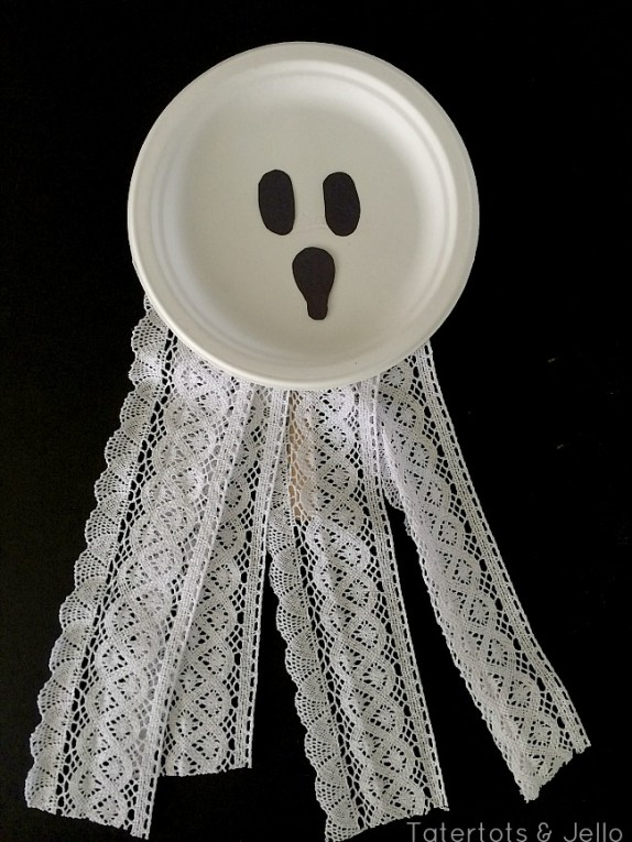 ghost paper plate mask at tatertots and jello